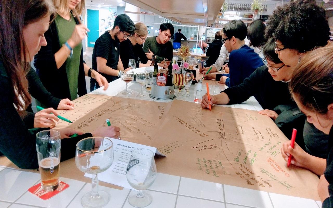 Làm việc nhóm là hoạt động không thể thiếu trong các lớp học tại Hà Lan