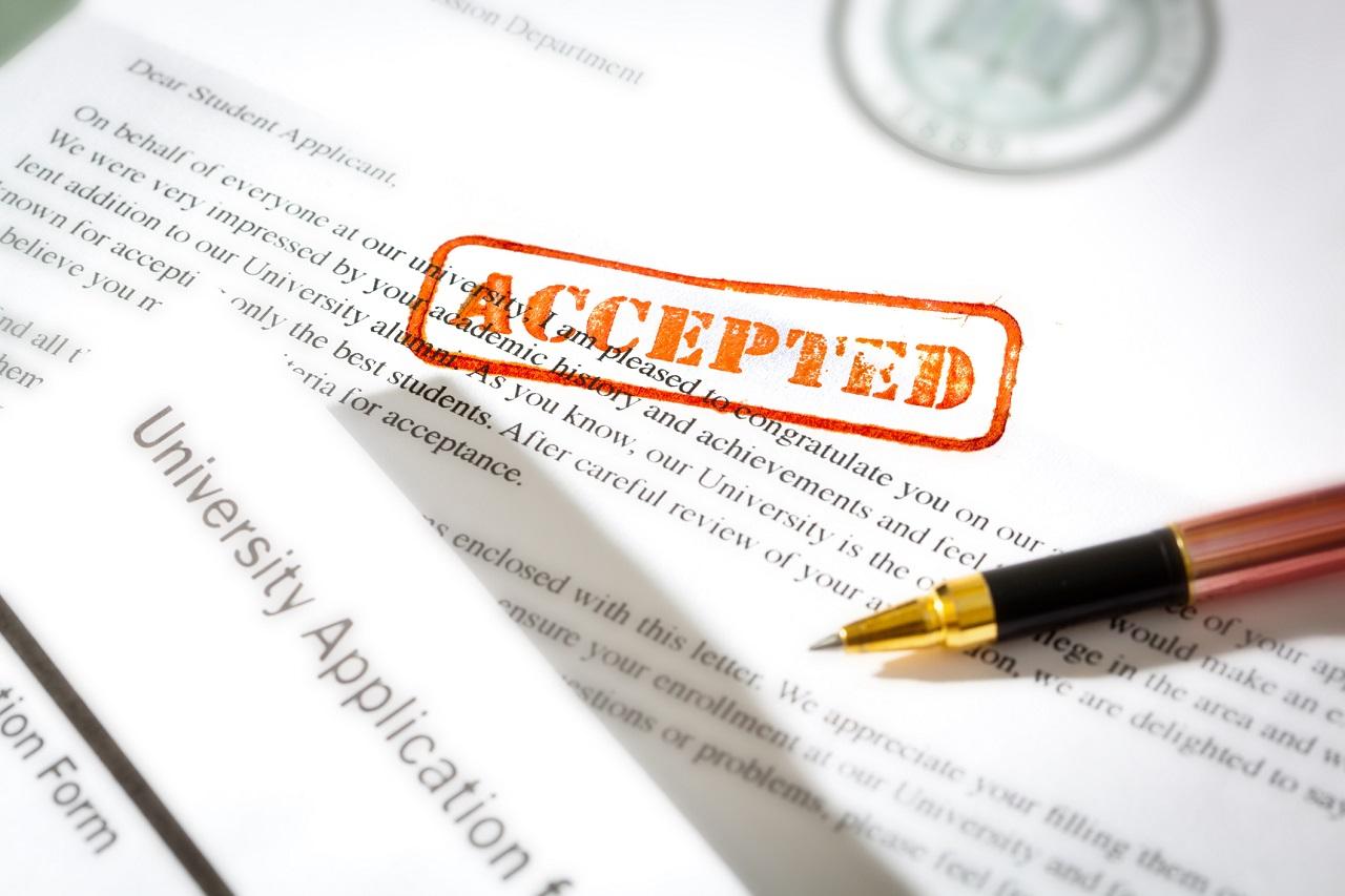 Một bộ hồ sơ hoàn chỉnh giúp bạn tăng cơ hội được nhận vào các trường đại học khi du học Hà Lan