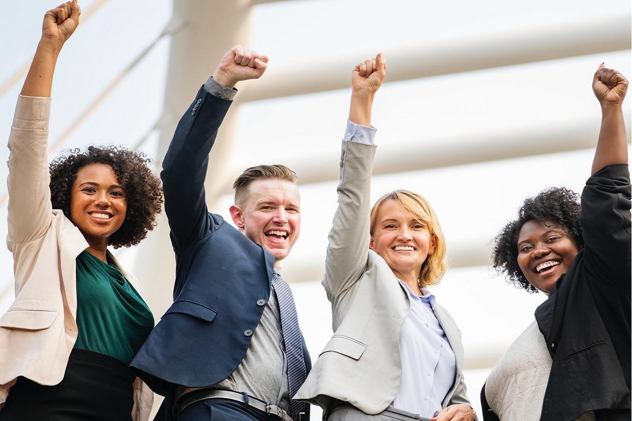 Ngoài lĩnh vực nghiên cứu, sinh viên tốt nghiệp đại học nghiên cứu vẫn đảm nhận tốt các công việc khác