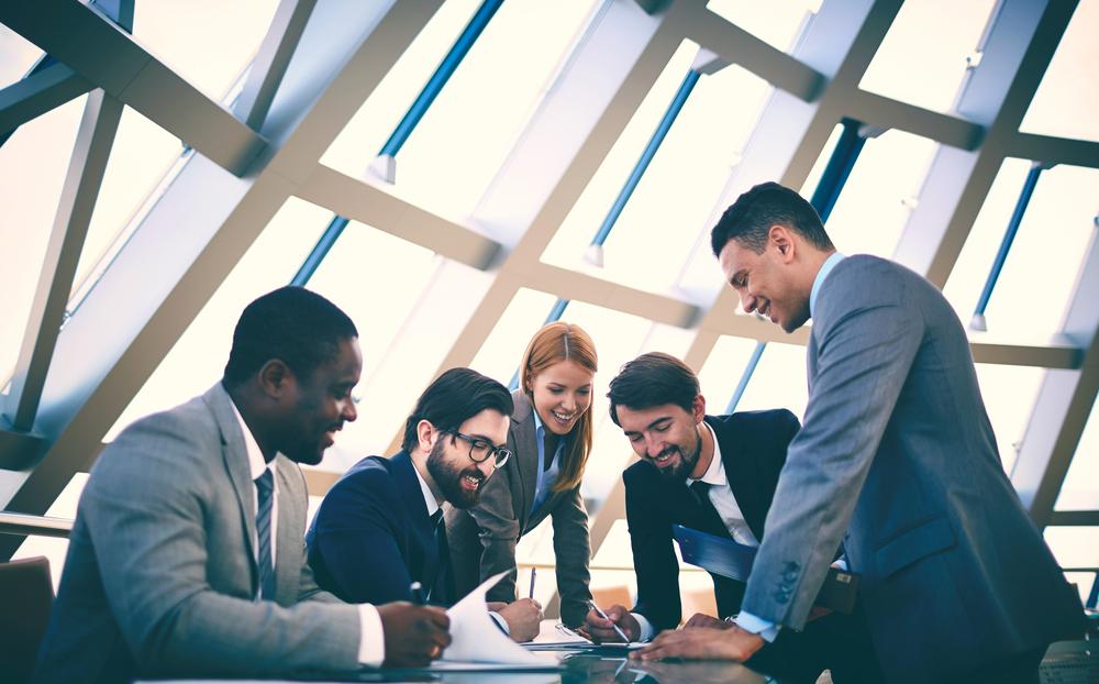 Sinh viên Fontys học tập chuyên ngành thông qua việc thành lập và điều hành một công ty mini thực sự