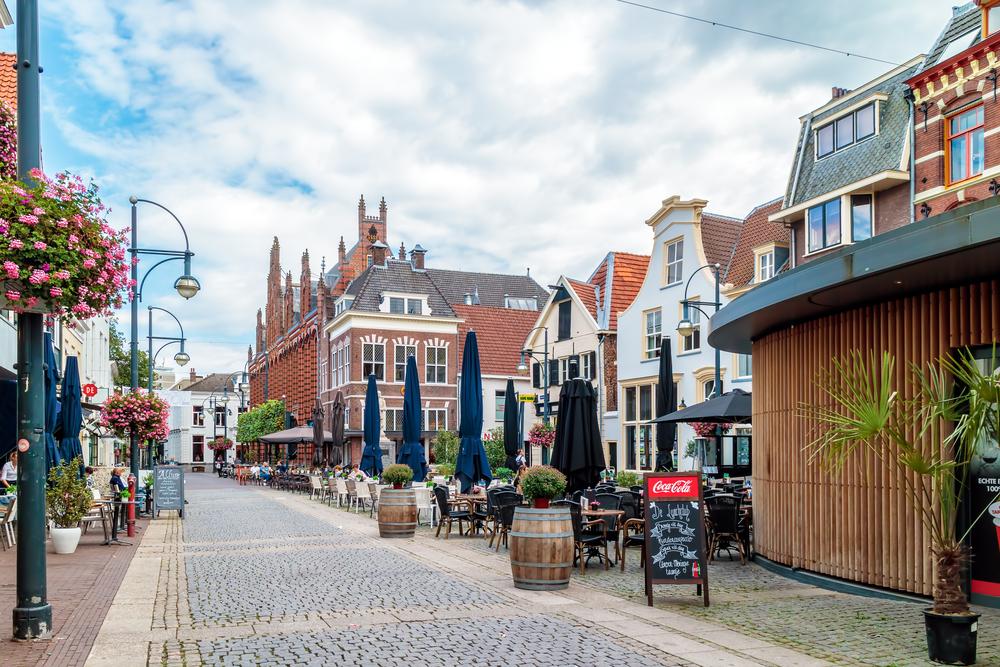 Trường nào tại Hà Lan được nhiều du học sinh lựa chọn?