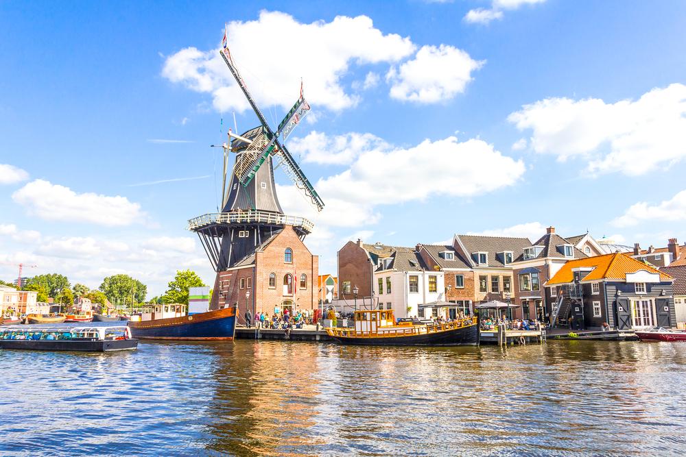 Nằm trong nhóm các quốc gia có thế mạnh về sáng tạo và kỹ thuật, Hà Lan sở hữu nhiều công ty tốt nhất thế giới trong lĩnh vực ô tô
