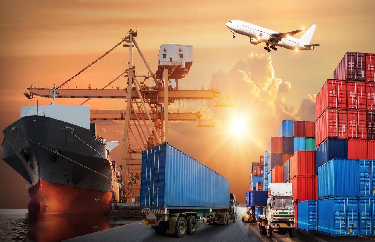 Logistics và thương mại quốc tế là lĩnh vực có tốc độ phát triển nhanh chóng và đóng vai trò quan trọng trong nền kinh tế