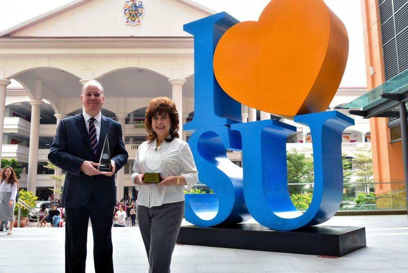 Phó hiệu trưởng Đại học Sunway - Giáo sư Graeme Wilkinson và CEO Tập đoàn Giáo dục Sunway - Tiến sĩ Elizabeth Lee