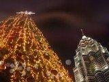 Bạn thích gì cho giáng sinh năm nay: Học bổng hay quà tặng?