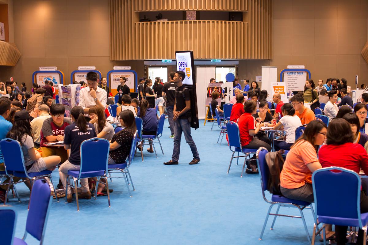 Học sinh được tư vấn lựa chọn chương trình học phù hợp tại ngày hội Open Day của Đại học Sunway
