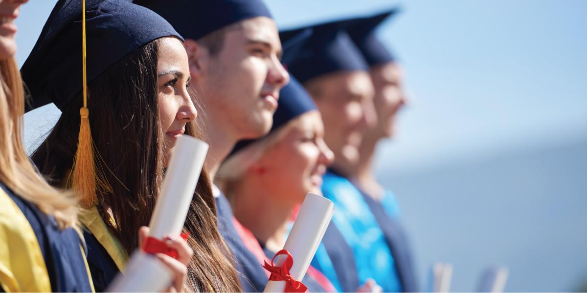 Sinh viên tốt nghiệp Tacoma College