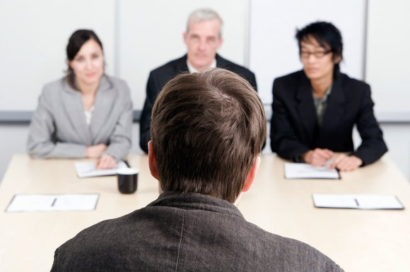 FBI hay dùngnhững câu hỏi tâm lý rất dị thường và hại não khi tuyển dụng nhân sự