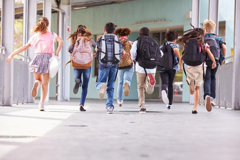 Trung học cơ sở là bậc học làm cầu nối giữa bậc Tiểu học và Phổ thông. Ảnh: Shutterstock