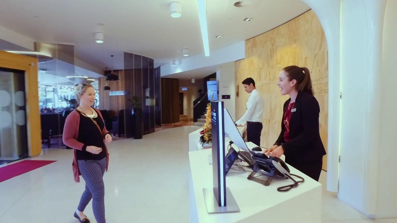 Sinh viên PIHMS thực hành ngay trong khách sạn 4 sao của trường