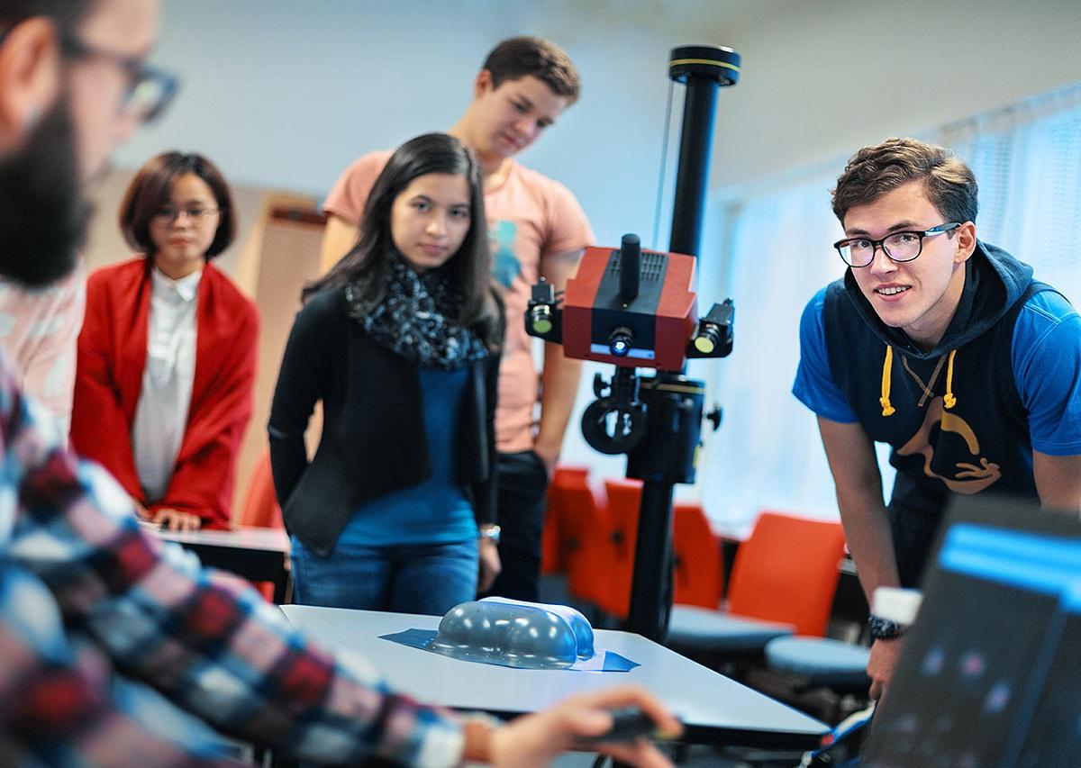 Giờ học của sinh viên ngành kỹ thuật cơ khí tại Đại học HAMK