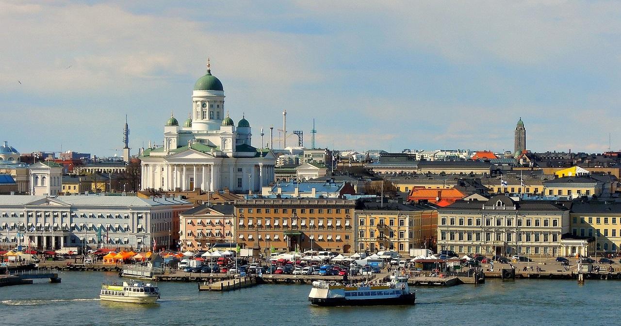 Từ Helsinki có thể dễ dàng đến các quốc gia lân cận bằng phà
