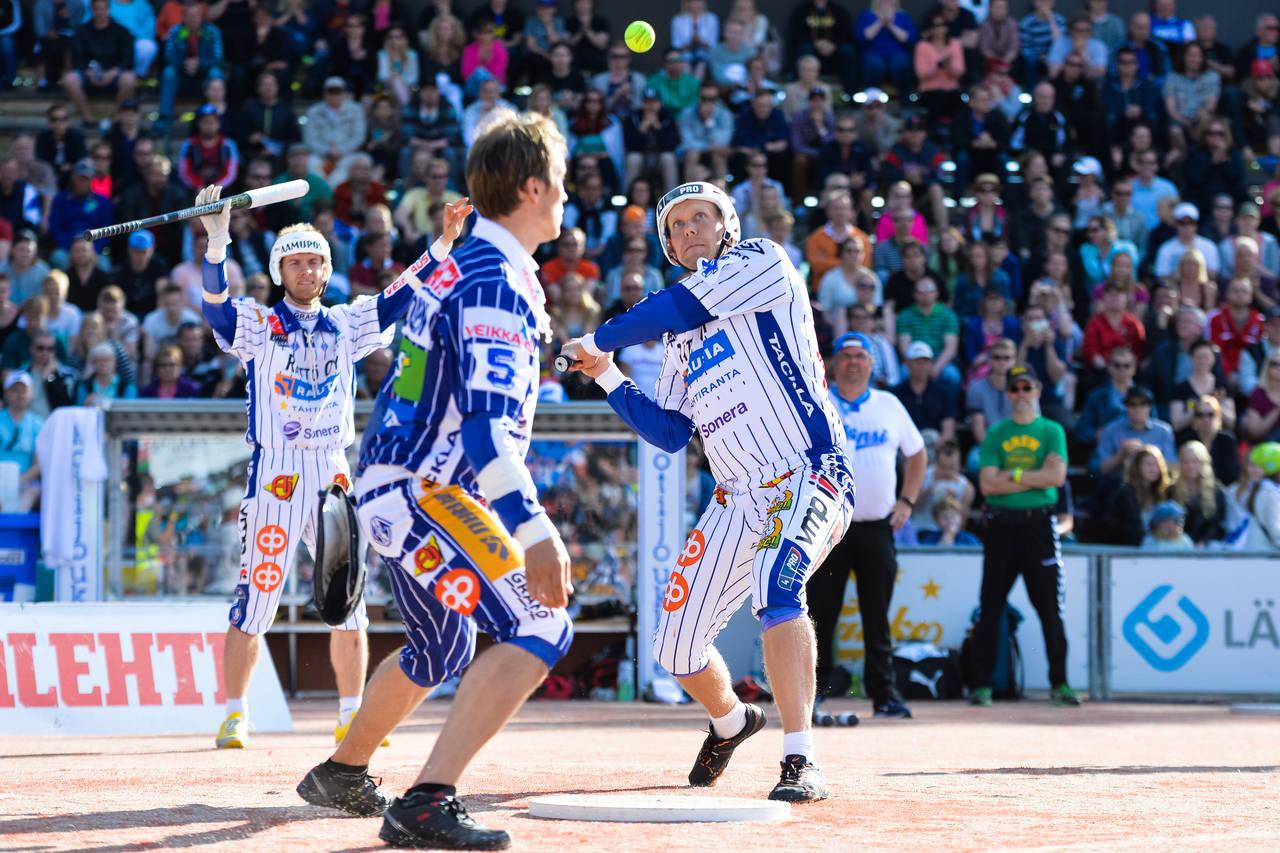 Pesäpallo – môn bóng chày theo phong cách Phần Lan