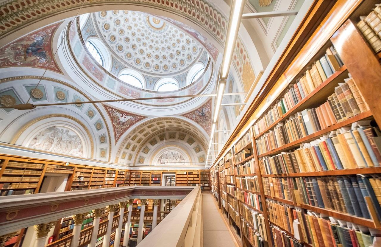 Tại Phần Lan dễ dàng tìm thấy những thư viện quy mô lớn như thế này