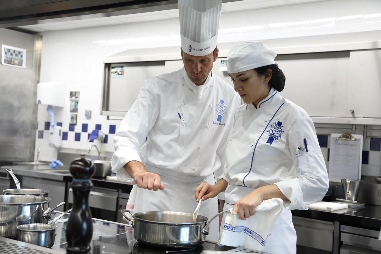 Các đầu bếp sẽ trực tiếp hướng dẫn sinh viên Le Cordon Bleu phát triển kỹ thuật nấu nướng