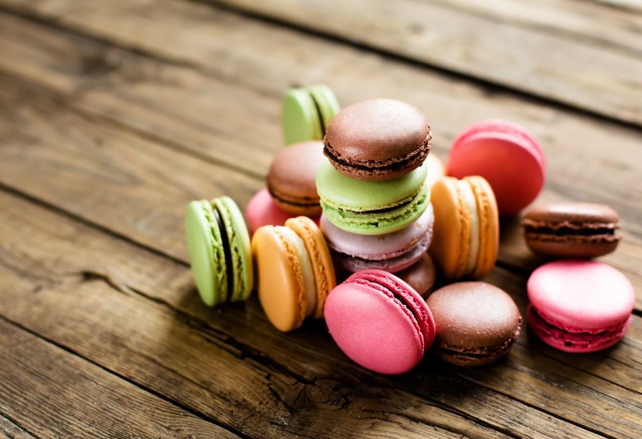 Thưởng thức macaron để cảm nhận sự tinh tế trong ẩm thực của người Pháp