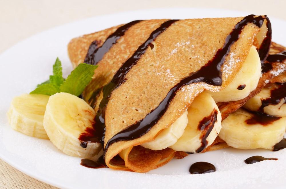 Thể hiện sự khéo léo và kỹ năng điêu luyện với món bánh crepe của Pháp