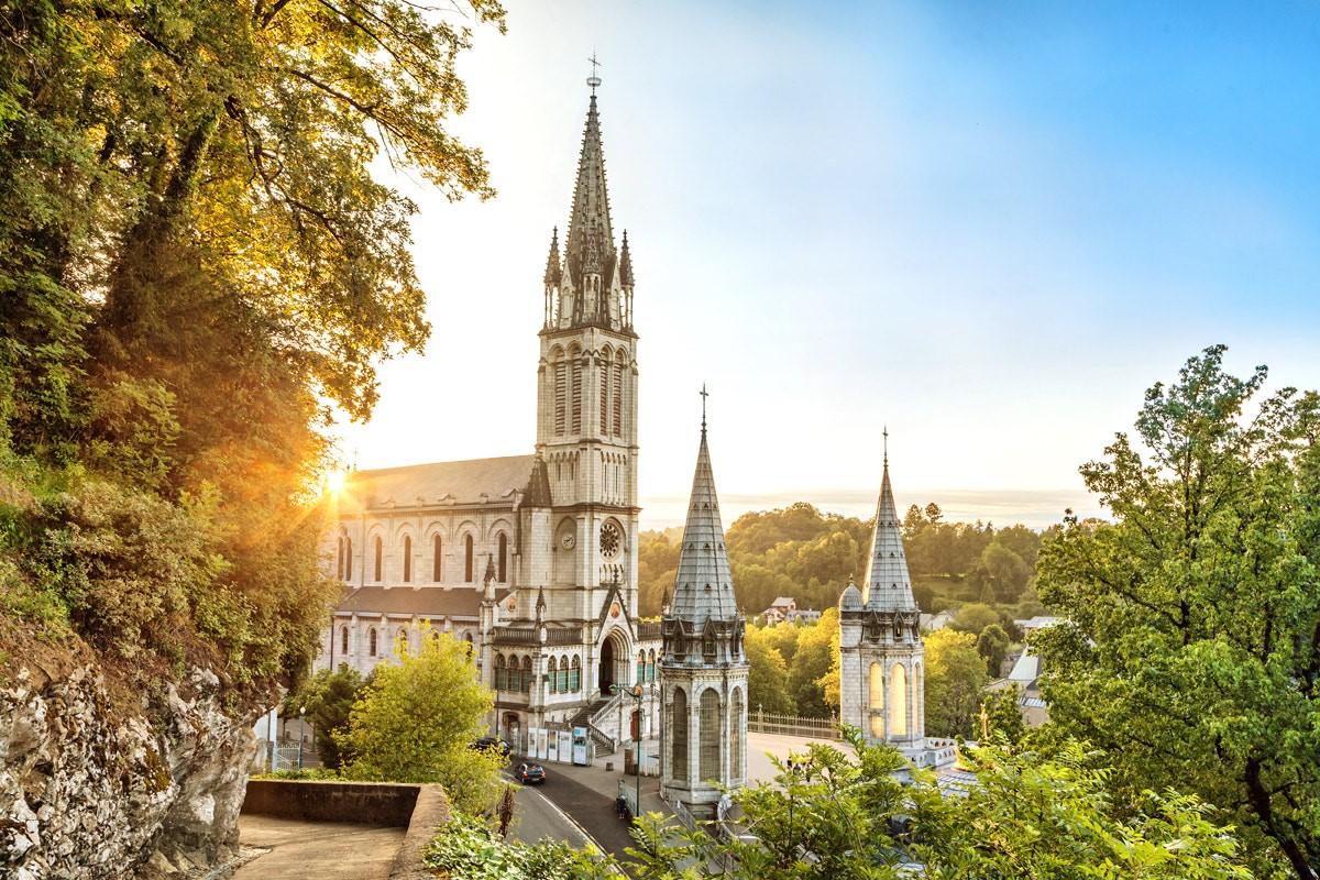 Tuyển sinh du học Pháp 2018 – Học phí cạnh tranh, hồ sơ dễ dàng