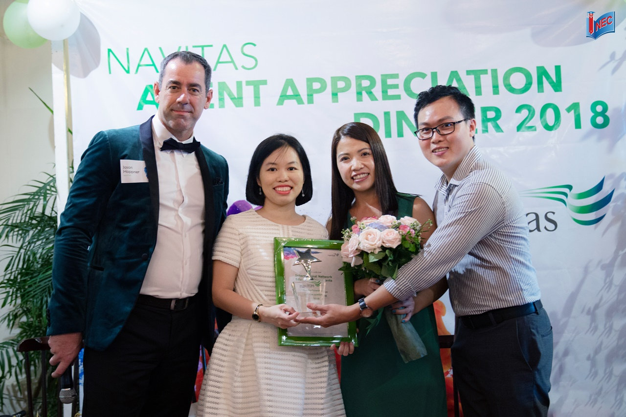 INEC nhận giải Curtin Singapore Top Performer