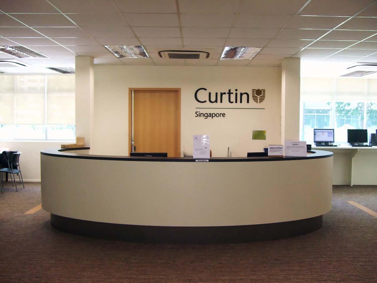 Ông Hưng đã làm hồ sơ cho con mình tại Công ty du học INEC và sau khi đã hoàn tất thủ tục nhập học tại trường Đại học Công lập Curtin Singapore, ông Hưng có một chút kinh nghiệm muốn chia sẻ với các em cũng như phụ huynh về du học Singapore cũng như Đại học Công lập Curtin.