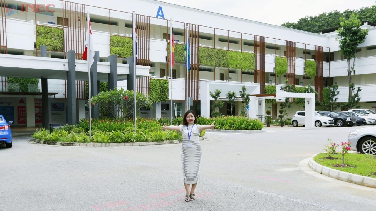 Đại diện INEC trong chuyến thăm Đại học JCU Singapore