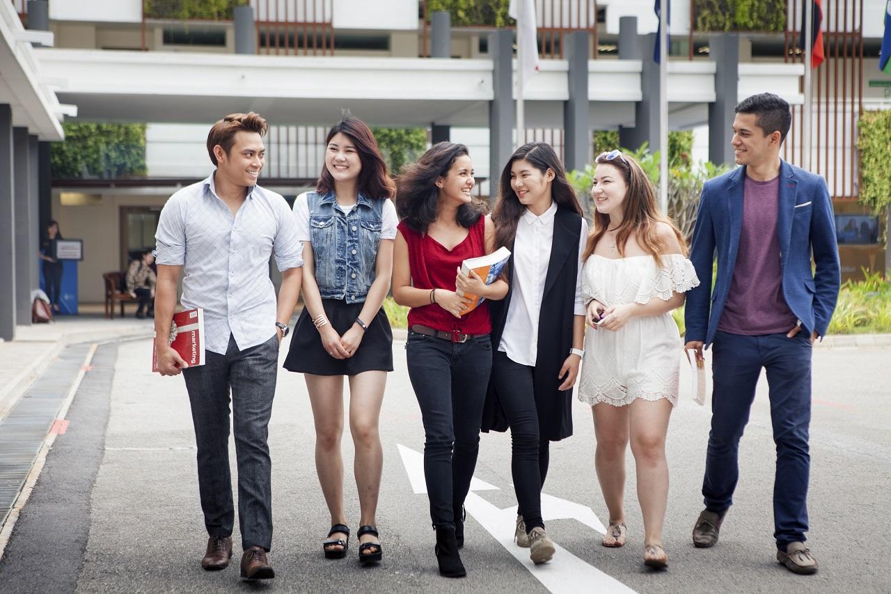 Học bổng Đại học JAmes Cook Singapore
