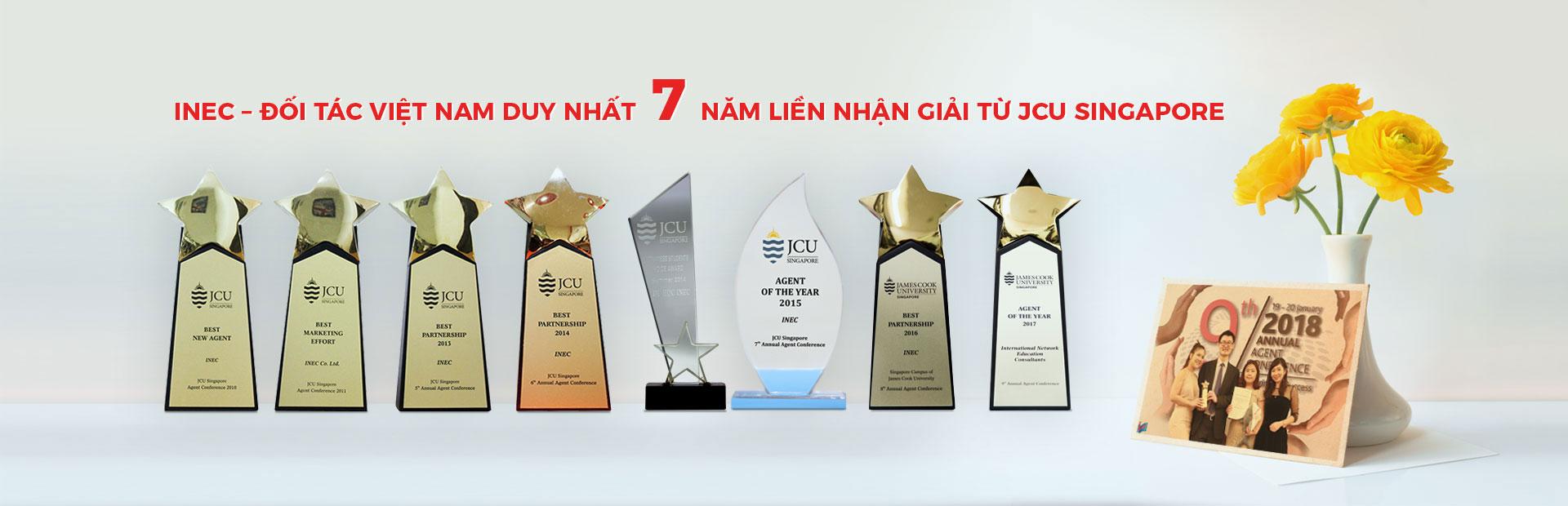 INEC nhận Giải thưởng JCU Singapore