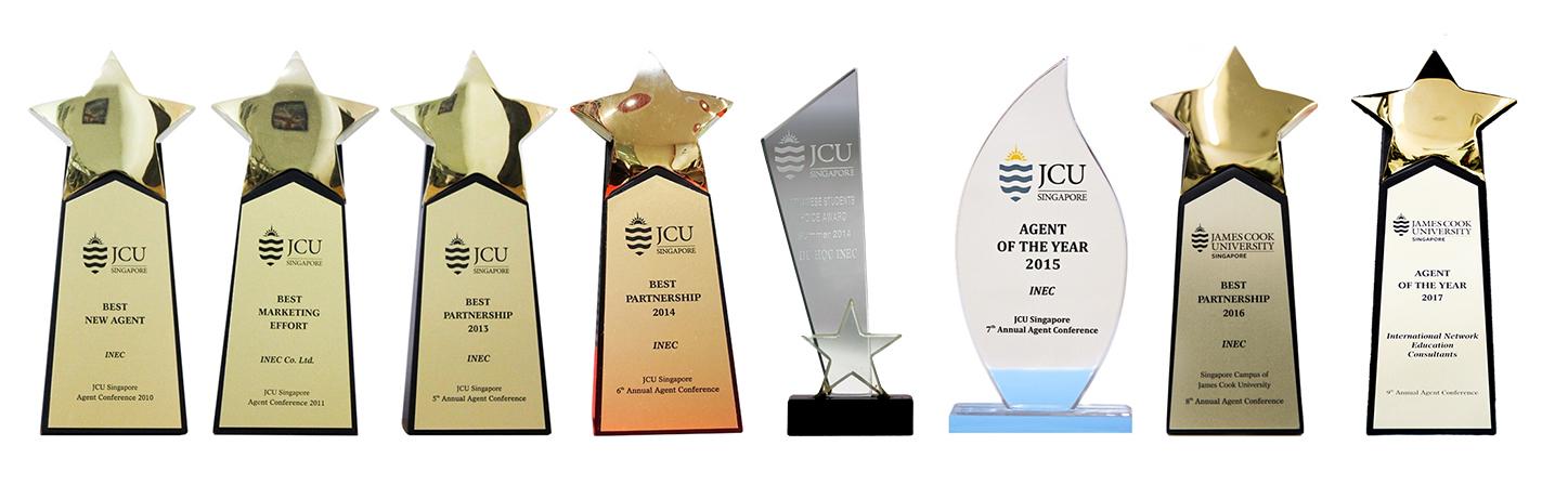 Các giải thưởng về hoạt động tuyển sinh và hỗ trợ xuất sắc của INEC do Đại học James Cook Singapore trao tặng