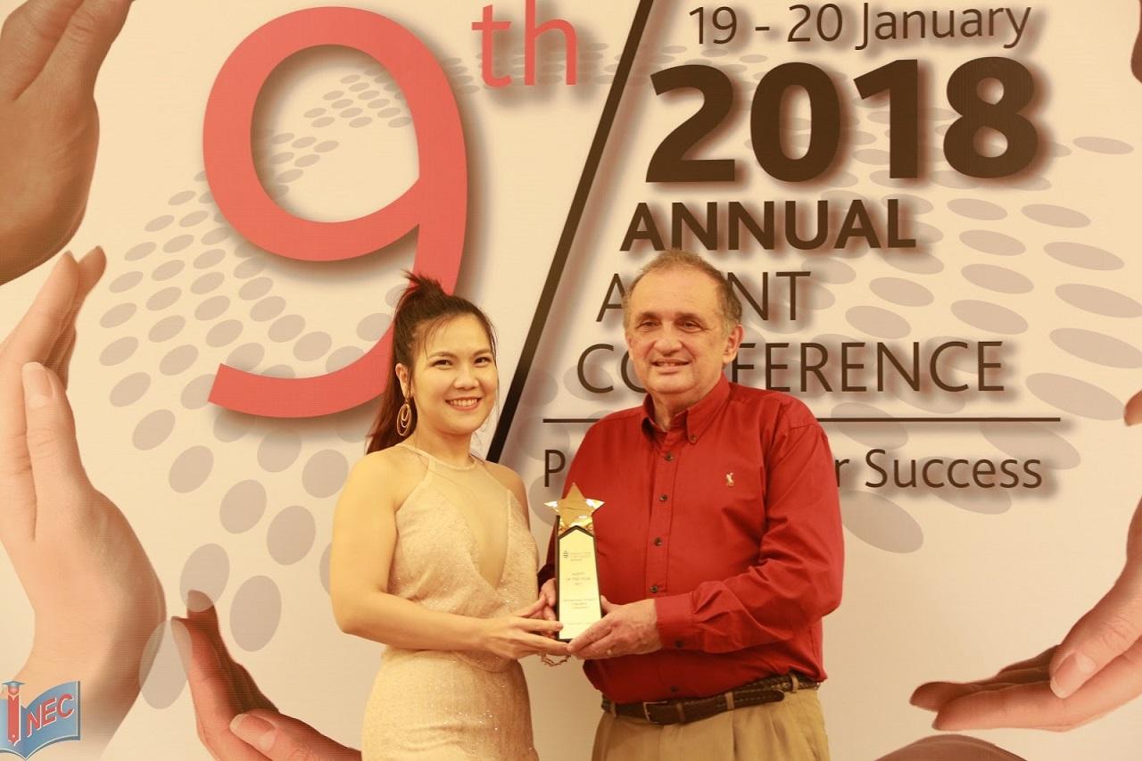 """Du học INEC nhận giải thưởng """"Agent of The Year"""" trong Hội nghị đối tác toàn cầu của Đại học James Cook Singapore"""