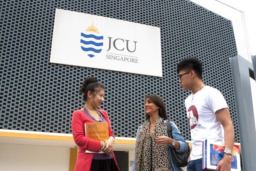 Tiếng Anh tăng cường cho mọi cấp độ tại JCU Singapore
