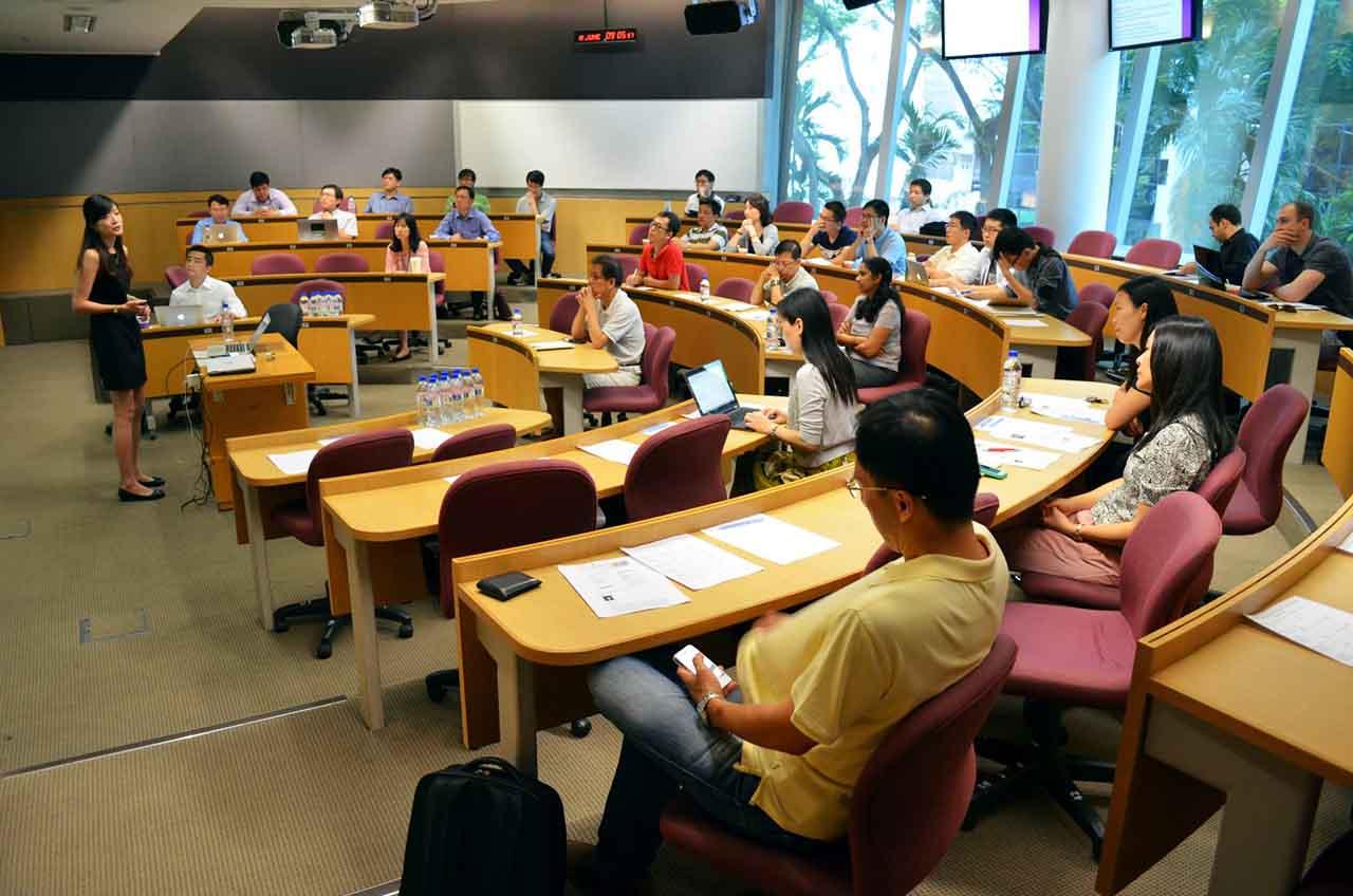 Xu hướng du học Singapore hiện nay đang là mối quan tâm của rất nhiều HSSV và phụ huynh. Mời các bạn cùng tìm hiểu về yêu cầu đầu vào, học bổng của 1 trong 4 trường đại học công lập lớn nhất Singapore - Đại học Công lập Quản lý Singapore SMU