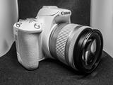 Tặng máy ảnh Canon khi đăng ký vào ngành truyền thông của MDIS