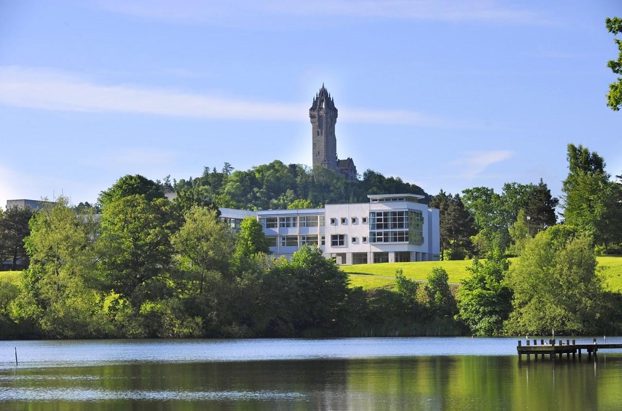 Du học Singapore nhận bằng Đại học Stirling (Anh Quốc) – Tại sao không?