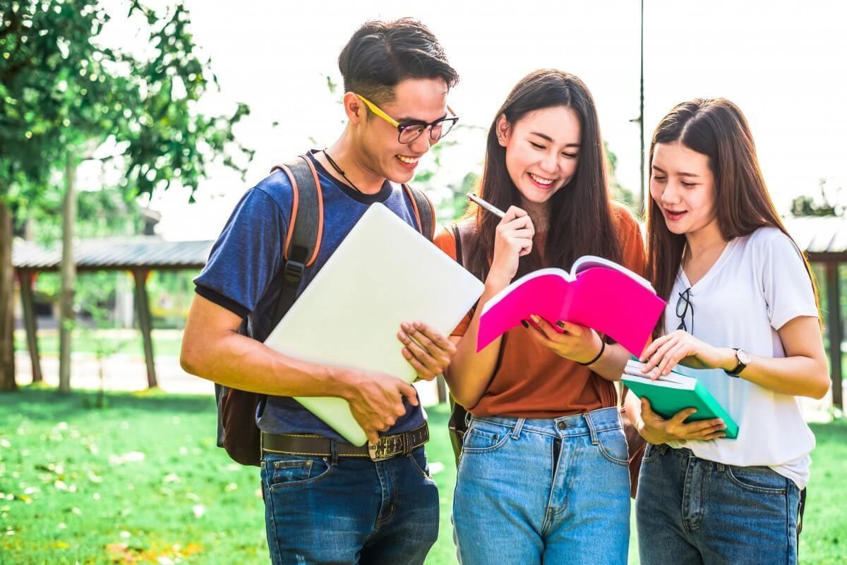 Sinh viên Đại học Curtin Singapore có thể chuyển tiếp dễ dàng sang khu học xá chính ở Úc và gần 50 trường đại học danh tiếng khác tại Úc, New Zealand, Anh, Canada, Mỹ...