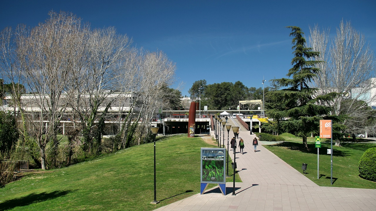 Không gian thoáng đãng của Đại học Autonomous of Barcelona