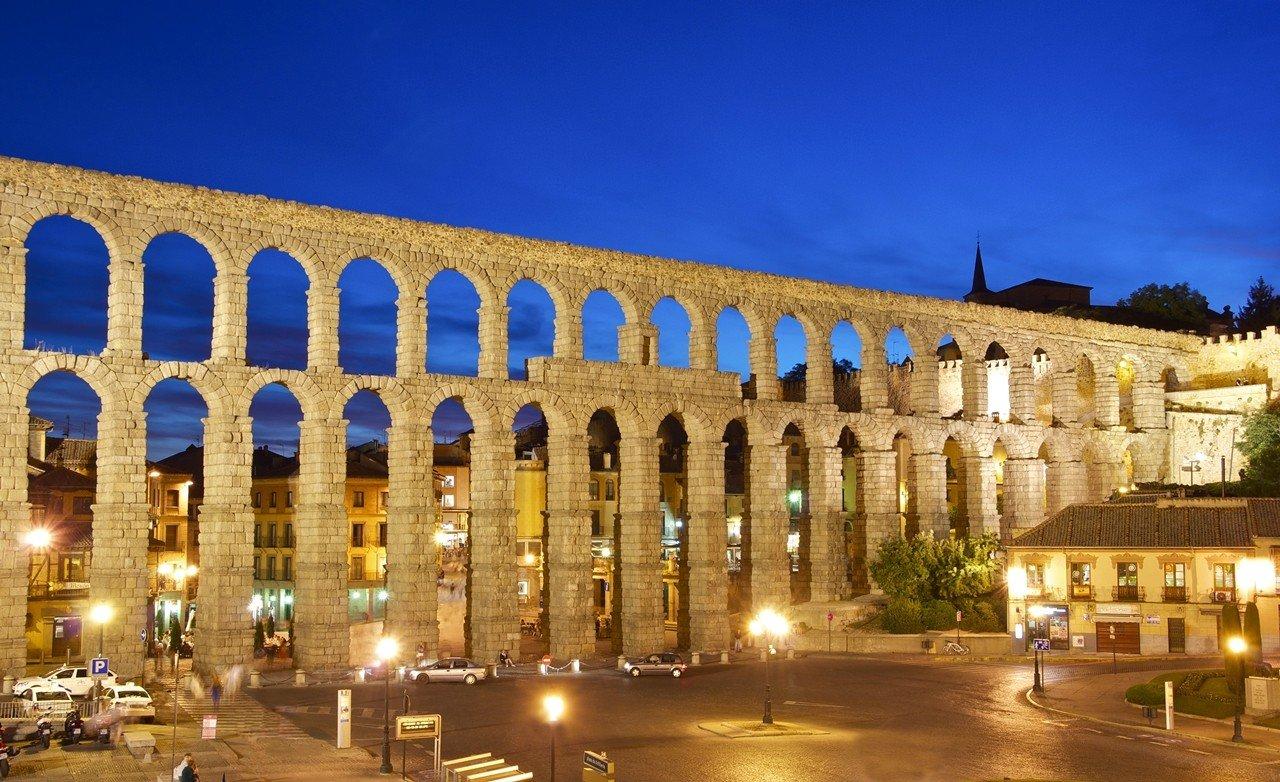 Kiến trúc đầy mê hoặc của Tây Ban Nha khiến nơi đây là điểm đến học thuật lý tưởng của sinh viên ngành này
