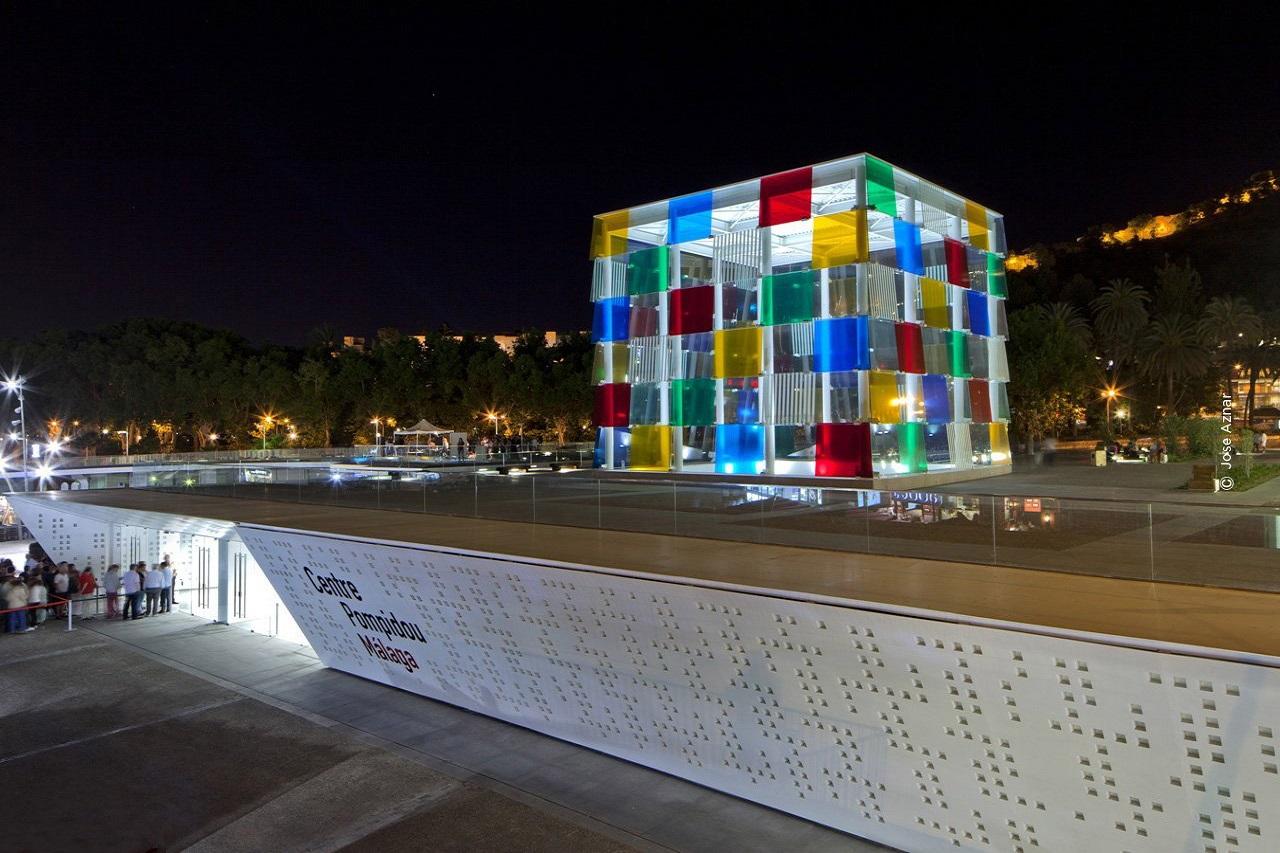Pompidou - kiến trúc nổi bật tại Malaga