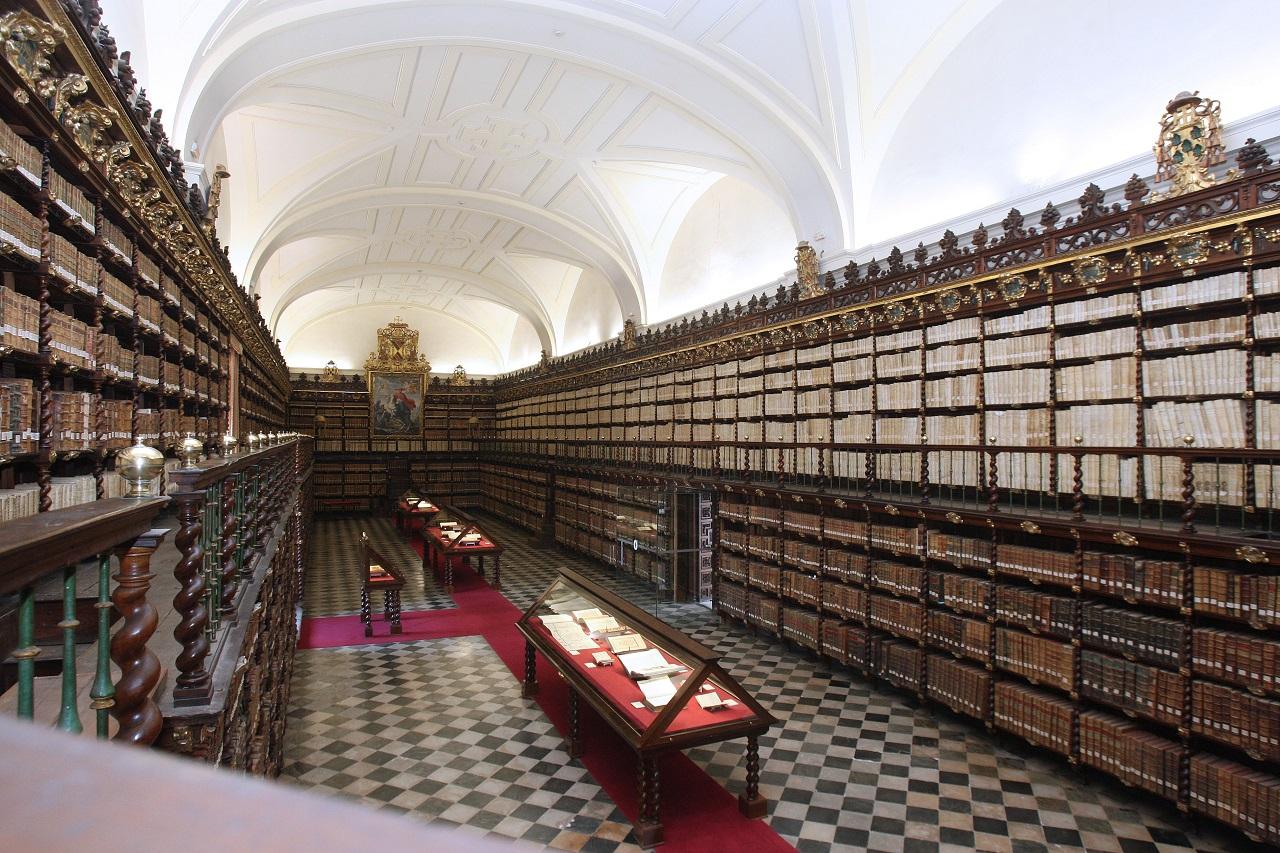 Một góc thư viện Đại học Valladolid