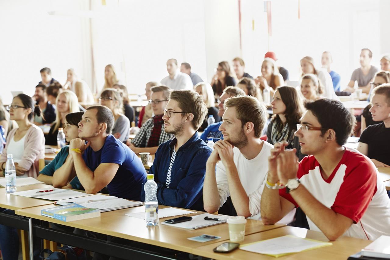 Du học Thụy Sĩ - Đại học Jonkoping sở hữu môi trường học tập thân thiện