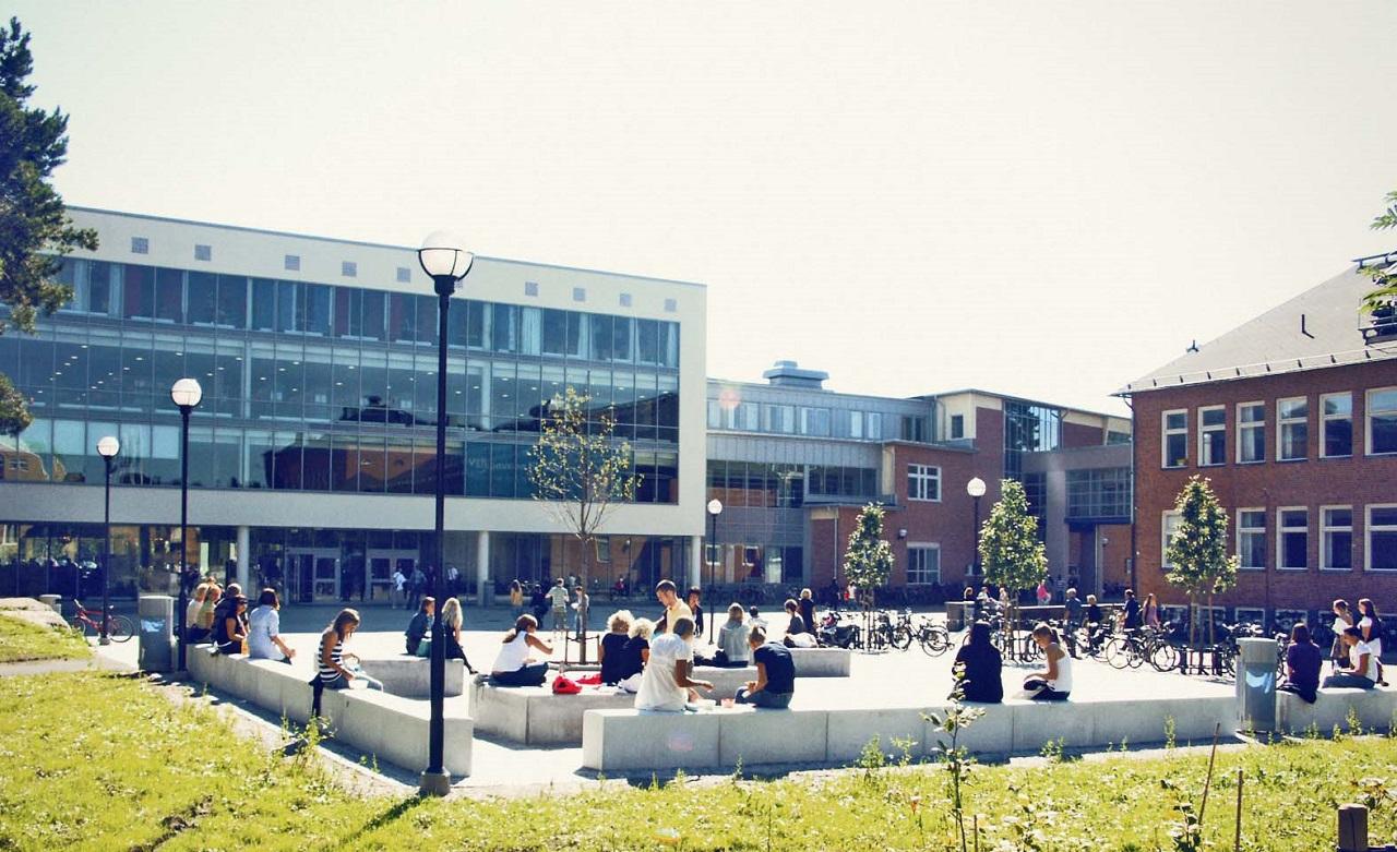Một góc khuôn viên Đại học West Thụy Điển