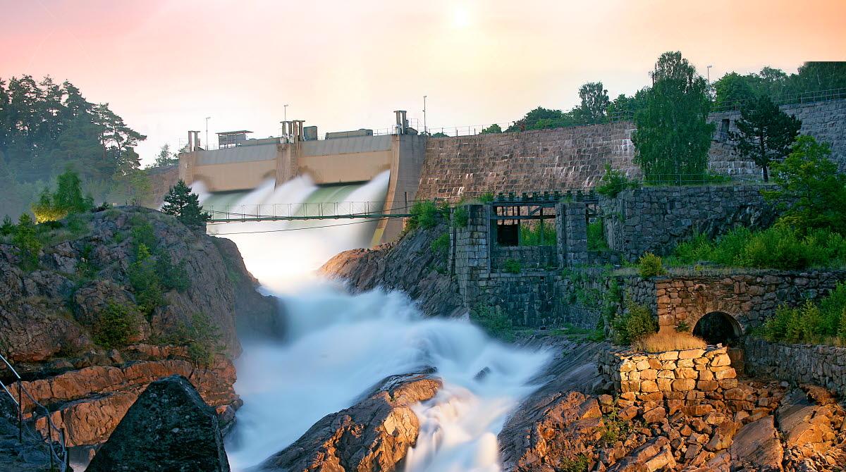 Đại học West nằm ở Trollhättan - thành phố nổi tiếng với những thác nước tuyệt đẹp