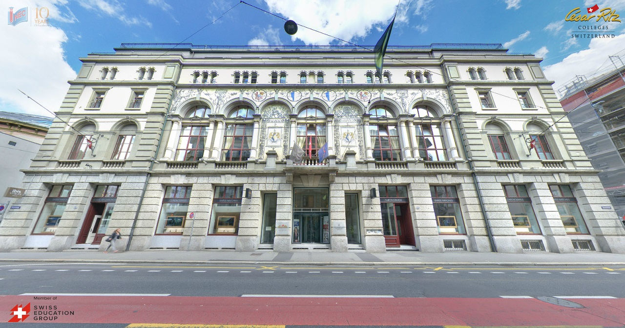 César Ritz tọa lạc ở vùng nói tiếng Đức ở Lucerne