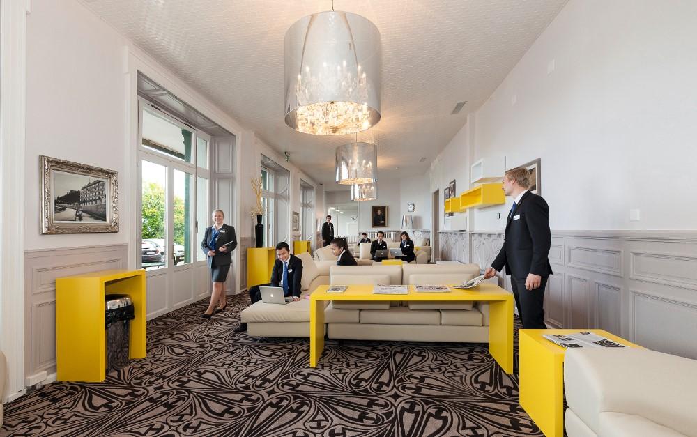 Kế thừa tư duy kinh doanh và quản trị nhà hàng khách sạn để tự tin khởi nghiệp