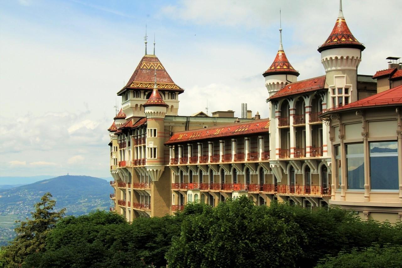 SHMS là 1 trong 10 trường đào tạo ngành Nhà hàng khách sạn đẳng cấp nhất thế giới*