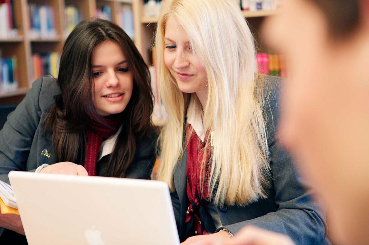 Tốt nghiệp từ SHMS là bước đệm để bạn thăng hoa trên con đường sự nghiệp