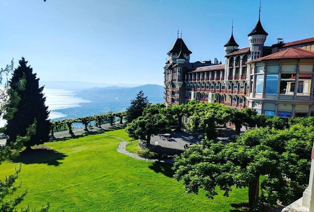 Học nhà hàng khách sạn tại SHMS - Sở hữu bằng cấp của Thụy Sĩ và Anh Quốc