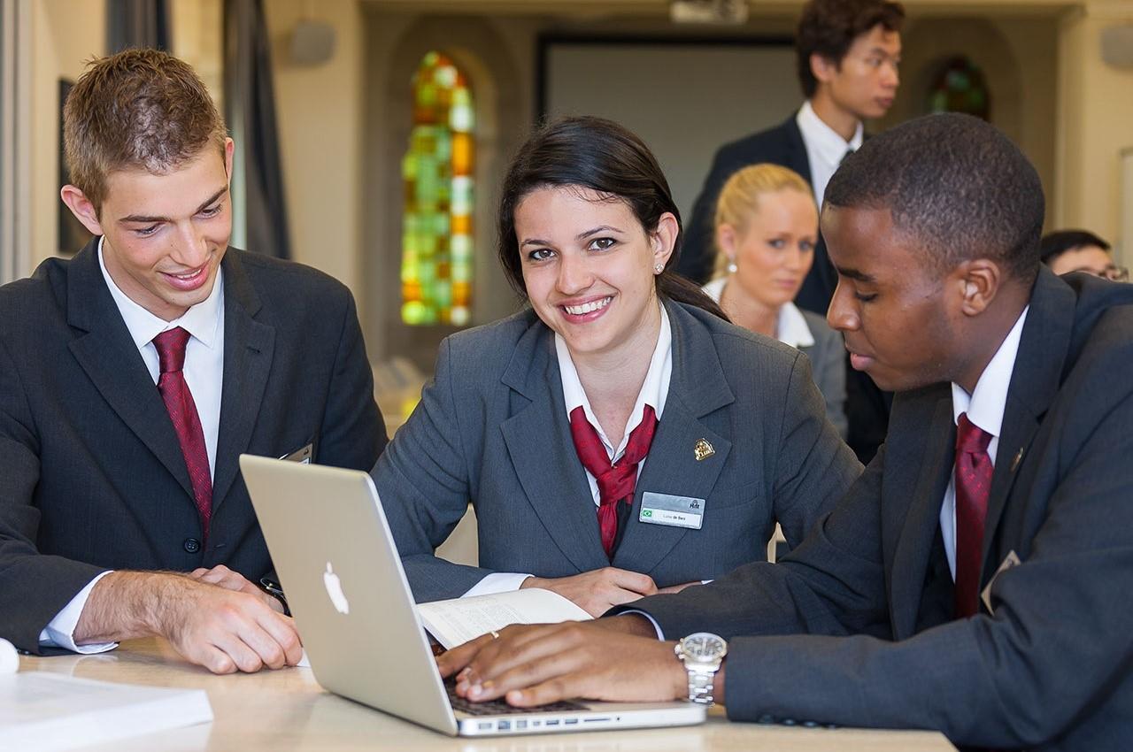 Học bổng du học Thụy Sĩ ngành nhà hàng khách sạn trị giá đến 500 triệu VNĐ