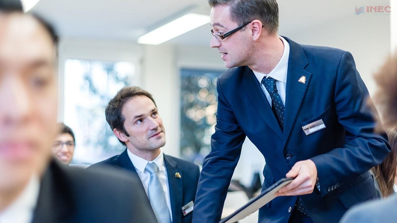 Tại HIM, bạn có cơ hội phát triển toàn diện mọi kỹ năng. Ảnh: Hotel Institute Montreux