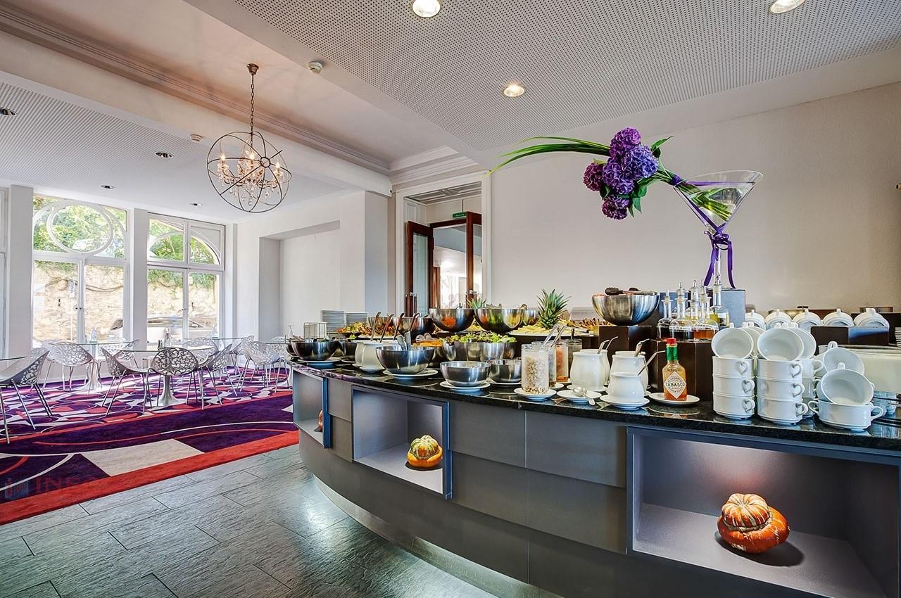Sinh viên sẽ sống, học tập và sinh hoạt ngay trong khuôn viên đẳng cấp của trường. Ảnh: Hotel Institute Montreux