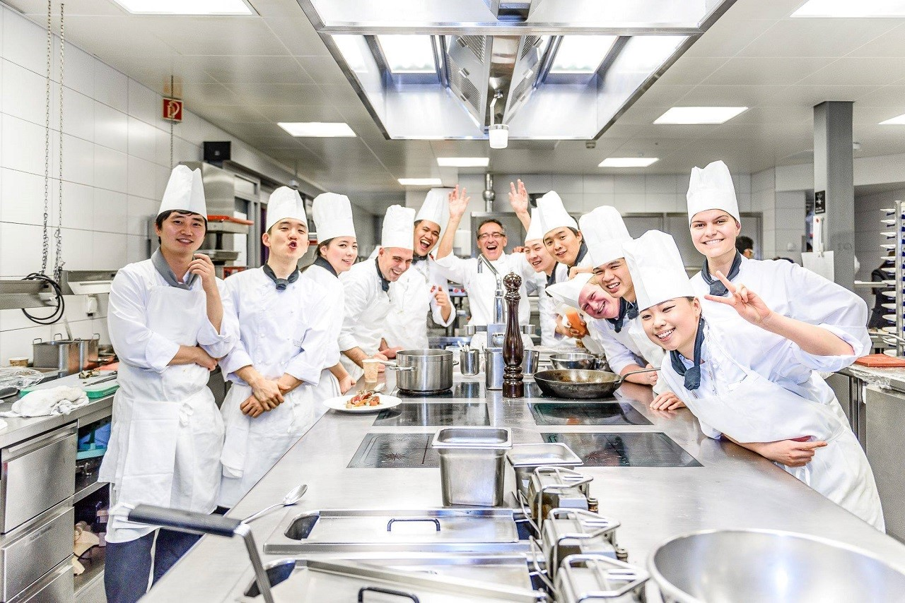 Du học Thụy Sĩ ngành ẩm thực với đa dạng chọn lựa chương trình từ Học viện CAA